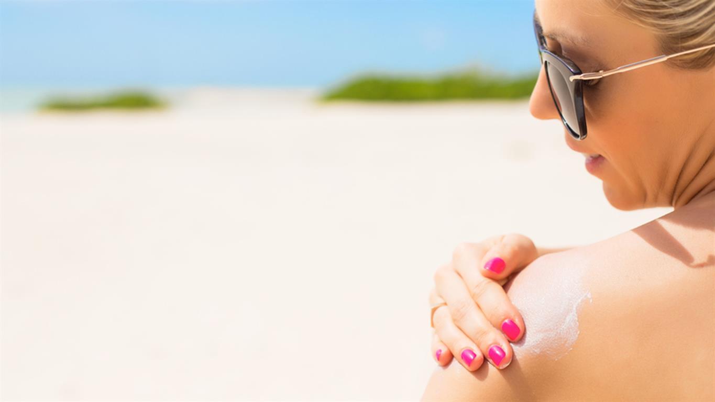 Lựa chọn loại kem không rõ nguồn gốc là nguyên nhân dẫn đến dị ứng kem chống nắng