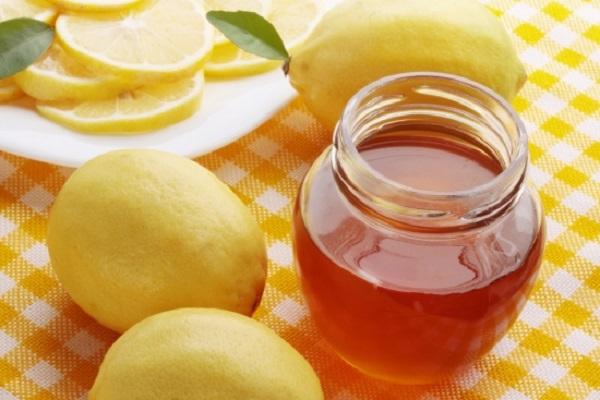 cách trị mụn bằng mật ong và bột nghệ 3