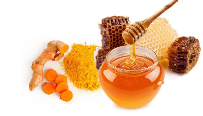 cách trị mụn bằng mật ong và bột nghệ 4